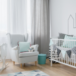 Préparer la chambre de bébé sans se ruiner